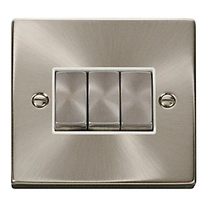 Click VPSC413WH 10AX Ingot 3 Gang 2 Way Plate Switch - White - Satin Chrome