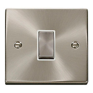 Deco 10AX Ingot 1 Gang 2 Way Plate Switch - White - Satin Chrome