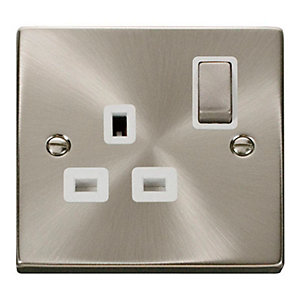 Deco 13A Ingot 1 Gang Double Pole Switched Socket - White - Satin Chrome