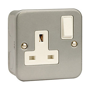 Essentials CL035 1 Gang 13A Dp Switched Socket