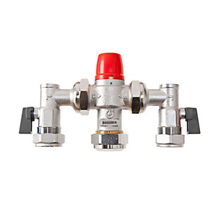 BOSSMix™ Thermostatic Mixing Valve & Strainers Non Return Valves & Isolation Valves Strainers 15mm